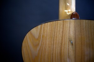 UU guitar nail inclusion back detail