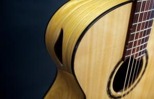UU guitar iso closeup
